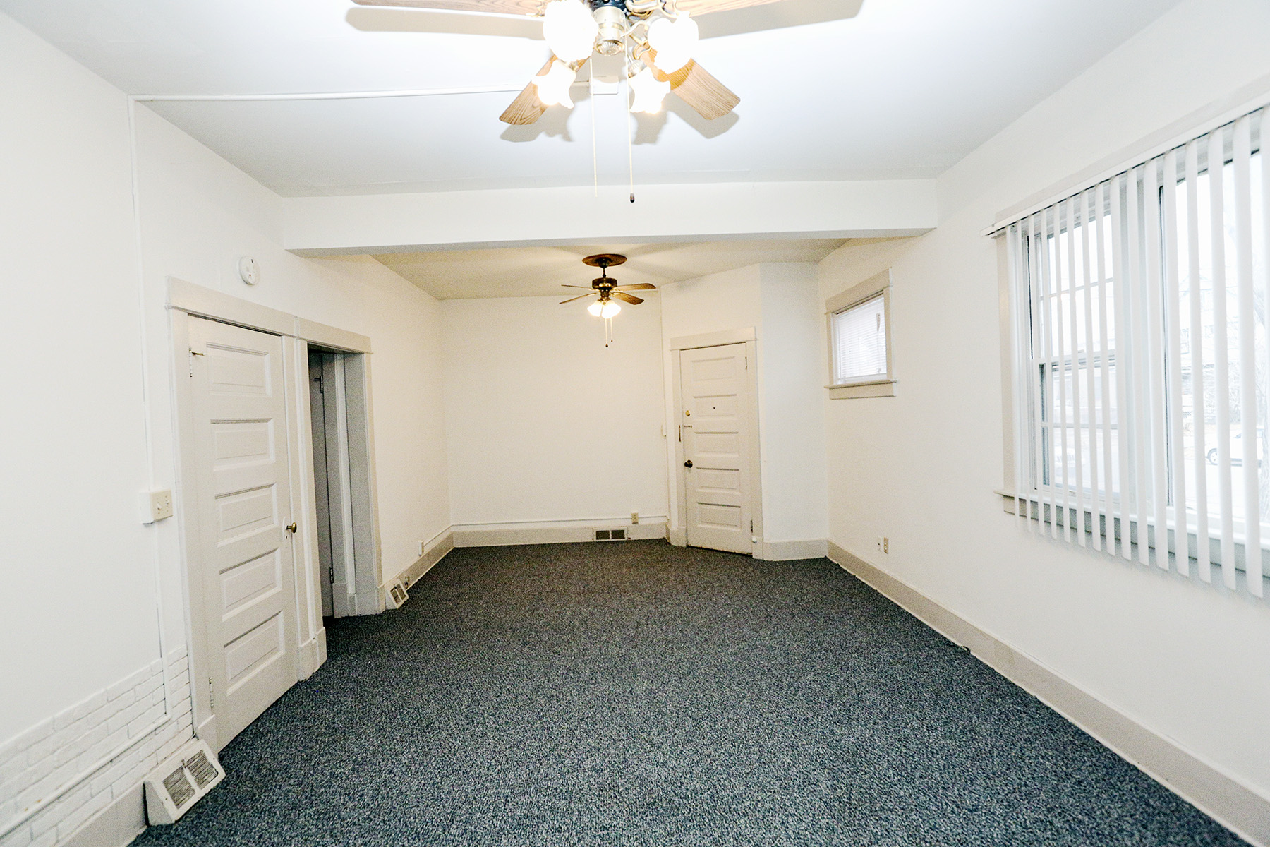 1431 south 18th St apt 1 $550 Bright Spacious oversized 1 bedroom