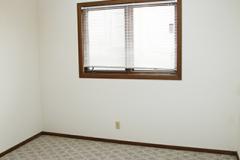 1524e4bedroom2