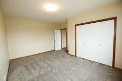 8863bedroom4
