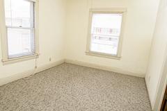 927s11apt6livingroom[1]